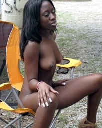 Pretty ebony girlfriend being a..