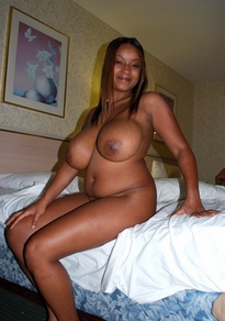 Curvy ebony girl showing her hot..